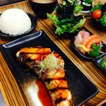 Lunch Trays - Grilled Salmon
