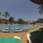 Magnifique piscine eau de mer.