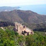 Monasterio de lejos