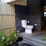 Toilet terpisah dari shower