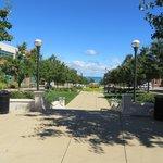 fountain park leading to Lake Michigan