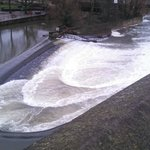 Bath walking tour. Weir in the River Avon.