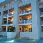 habitaciones con salidas directas a la piscina