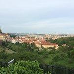 Вид на Прагу из-за столика ресторана
