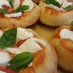 Frittelle con pomodoro e Mozzarella di Bufala