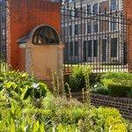 Cour intérieure et jardin Hospice Comtesse
