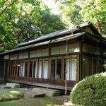 Чайный домик в парке Мэёдзи-дзингу гъёэн