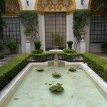 Uno de los patios del museo.