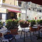 Piazza in Castellabate, wunderbar hier den ersten Espresso des Tages zu trinken.