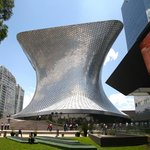 Museo Soumaya ... just walk there