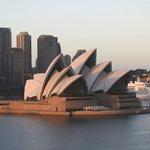 Te Opera House at sunrise