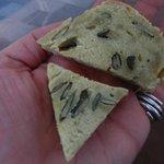 fantastico pane fatto in casa di semi e olio di semi di zucca