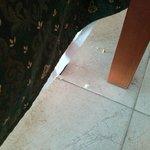 briciole sul pavimento2
