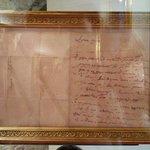 La lettera autografa di Donizetti esposta nella sala Hayez.