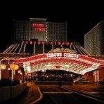 circus circus de noche en Las Vegas