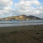 Blick auf die Bucht und die vorgelagerte Insel