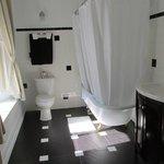 Bathroom for William Cody Room