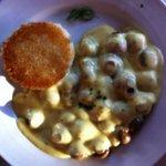 Mushroom Melt $15 Sautéed Mushrooms Melted Cheese, Béarnaise Sauce, Vegetable, Potato Puff.