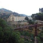 Vista desde las casas colgadas del Parador y del Puente de San Pablo.