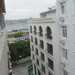 Вид из окна на Босфор