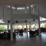 Foyer Area, nice outlook over lagoon