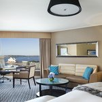 Premier Full Harbour room