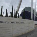 Vista da entrada da Cidade das Artes e das Ciências