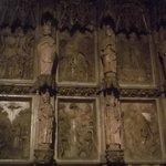 Parede interna da Catedral toda trabalhada
