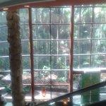 Foto tirada da escada rolante