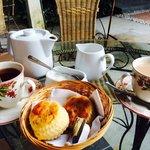 English scones & tea set