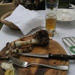 Die kümmerlichen Reste einer umfangreichen Mahlzeit