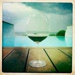 Si vous ne terminez pas votre bouteille de vin, elle vous accompagne dans votre suite