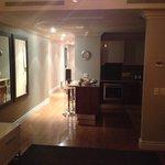Room 718 Kitchen