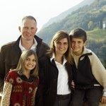Familie Karl und Margot Riegler mit Anna und Josef