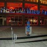 Aqui yo en el estadio de los heat de Miami. .