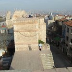 стены феодосия, недалеко от монастыря хора