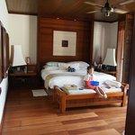 Serambi Room (main bed).
