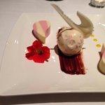 Dessert vanilla/raspberry panne cotta