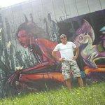 Граффити под мостом