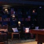 Lounge at 2am