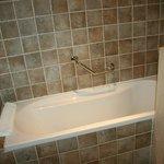 Salle bains complète (bain et douche)