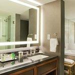 Parkview Suite- Bath