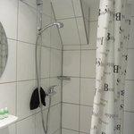 shower arrangement