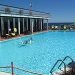 La piscine est très agréable