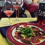 Tuna carpaccio pairing with fantastic rose