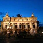 et voici l'Opéra, à côté de l'hôtel