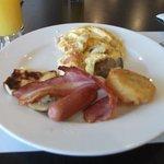 freshly made omelette, the starter to my breakfast :-)
