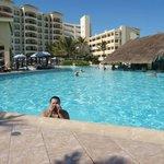 Gustavo (meu filho) dando um mergulho