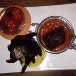 Caillette chaude dans son écrin à la tomate