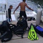 Unloading scuba tanks and gear